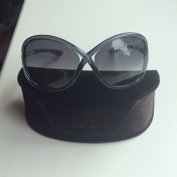 50c4e56b86cb TOM FORD- NEW Whitney Oversized Round Sunglasses.